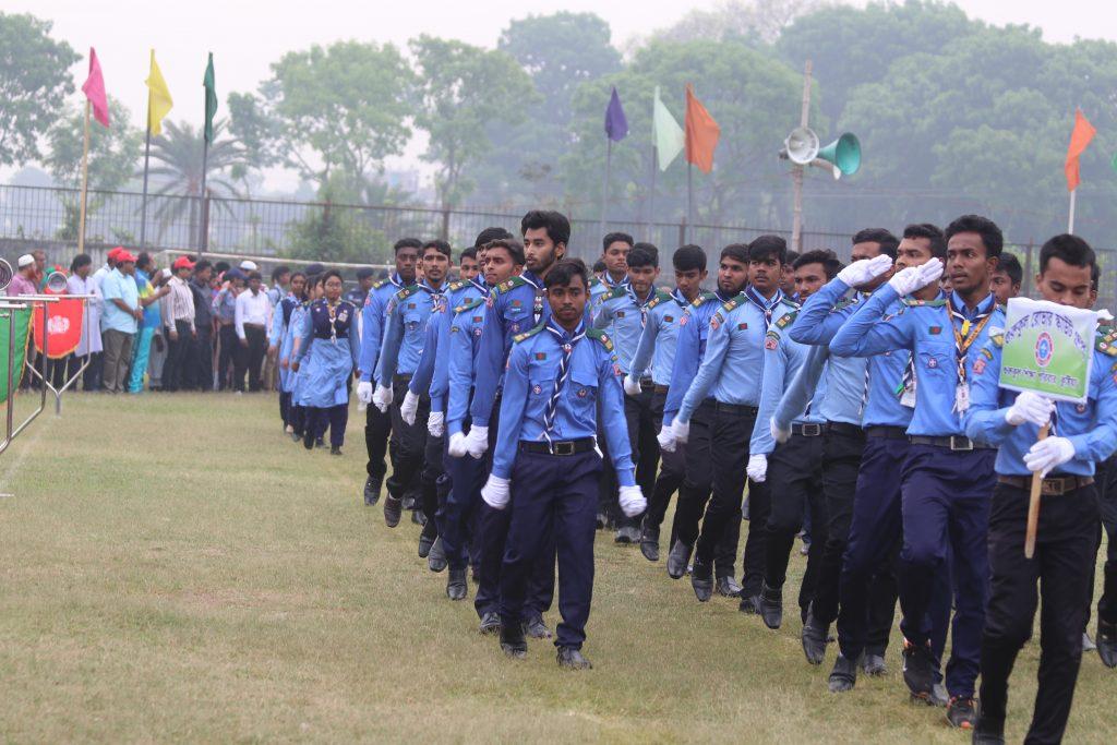 স্বাধীনতা দিবসে গুরুকুল রোভার স্কাউট সদস্যেদের মার্চপাস্ট-Marchpast of Gurukul Rover Scout members on Independence Day
